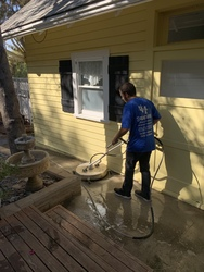 Squeegee Window Cleaning San Diego 5